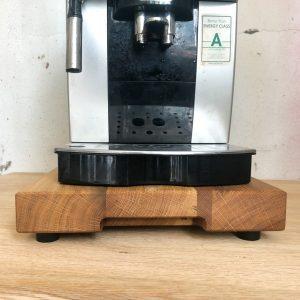 Gleitbrett aus Holz für Kaffeemaschine