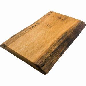 rustikales Baumkanten Brett aus Holz