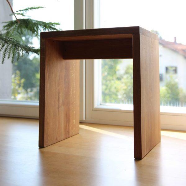 Holzhocker aus Eichenholz