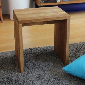 Sitzhocker aus Eichenholz