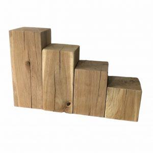 eichenholz-adventskranz-säulen-holzklötze